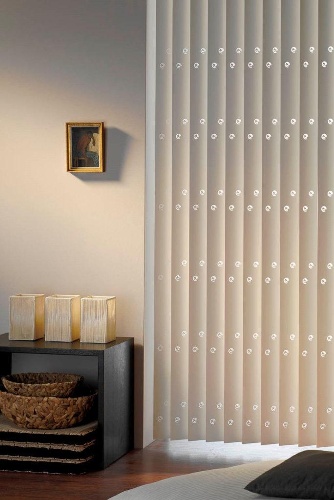 LamVert_Stores125_Lamellen-verticaal_store-californien_PVC-designperforatie_1