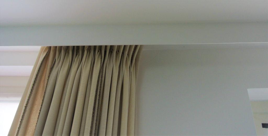 Rails_Stores031b_rai_plafondbevestiging_fixation-plafond_in-nis_en-caisson