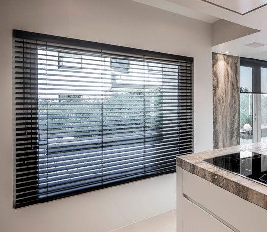 Veni_Stores006A_Hout-bois_Lamellen-horizontaal_Store-vénitien_horizontal-blinds-slats_FM3-cut