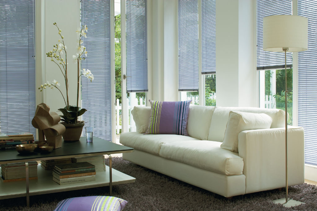 Veni_Stores024_ALU_Lamellen-horizontaal_Store-vénitien_horizontal-blinds-slats_25mm_lavendelblauw-living