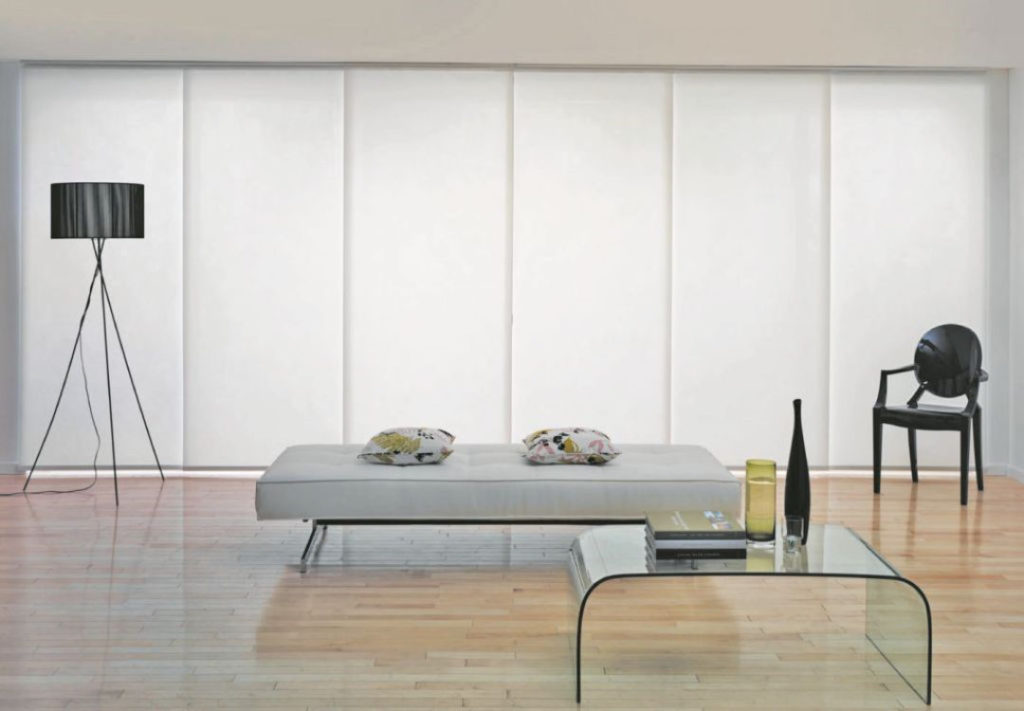 Panels_Stores008b_Paneelgordijnen_panneaux-Japonnais_Panel-track_flaechenvorhang_lichtdoorlatend-tamissant_toe