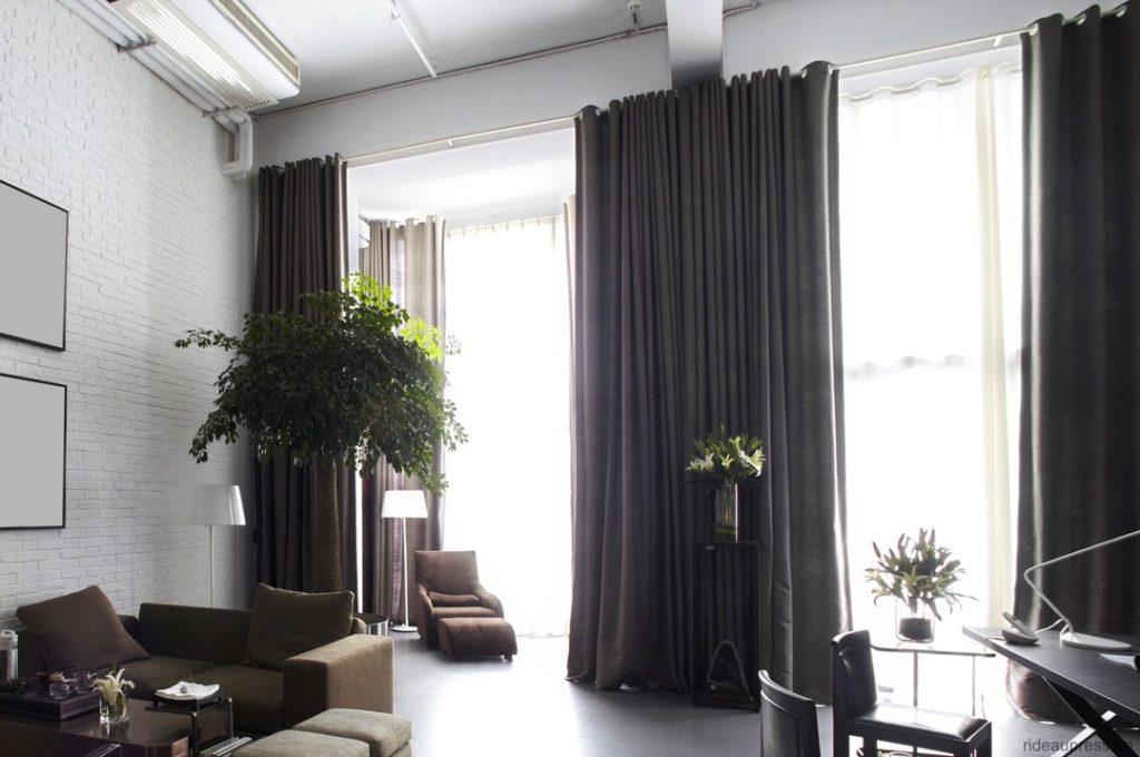 Gord_Stores010_overgordijnen-met-ingeslagen-ringen_Tentures-oeillets-estempes